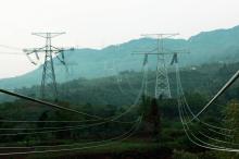 特高压输电路线建设成国家基础设施建设的重点领域