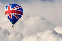 英国退欧风暴肆虐全球 新兴市场资产意外成避风港