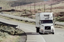 Uber首单无人驾驶送货完成 满载5万罐啤酒跑了120英里
