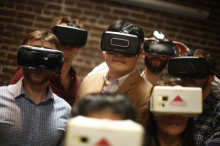 据说,押宝VR的罗森博格濒临倒闭