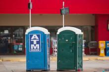 ATM今天年满50周岁了 可纸币已走到了淘汰边缘